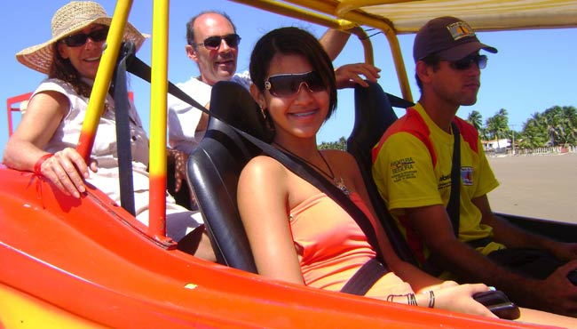 turismo com bugues © arquivo Farol da Foz