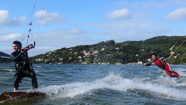 Kitesurfe em Florianópolis / SC. © Alexandre Cappi