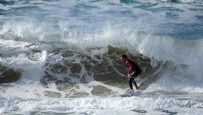 Surfe em Florianópolis / SC. © Alexandre Cappi