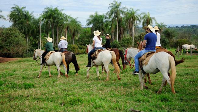 Passeio a cavalo © Beto Nascimento