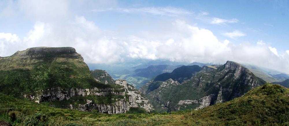 Pedra Furada vista do Morro da Igreja - Urubici