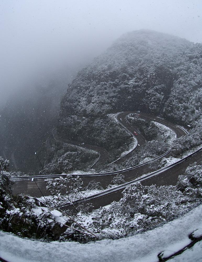 Neve na Serra do Rio do Rastro