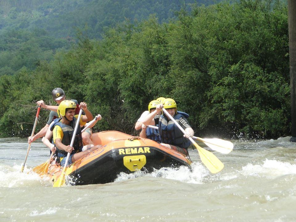 Rafting no Vale Europeu. Foto: Ativa Rafting e Aventuras