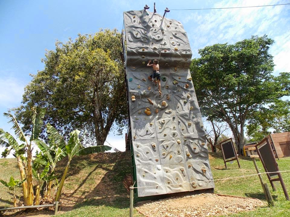 Muro de escalada outdoor: Parque Aventurah