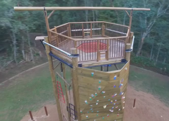 Torre para treinamento e dimânicas em grupo: Acampamento Paiol Grande